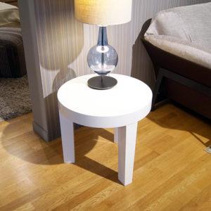 Tavolino bianco tondo